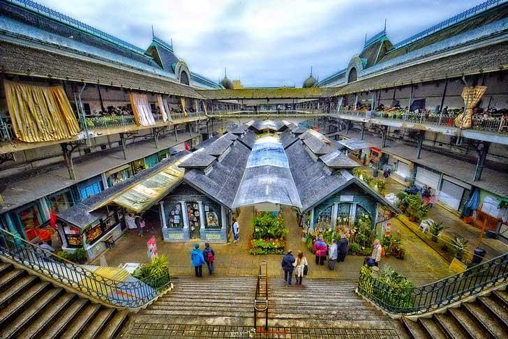 Mercado del Bolhao en Oporto, Portugal